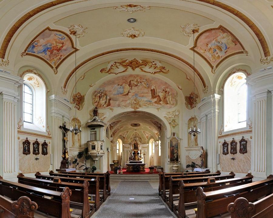 Kostel PM Karmelské - interier
